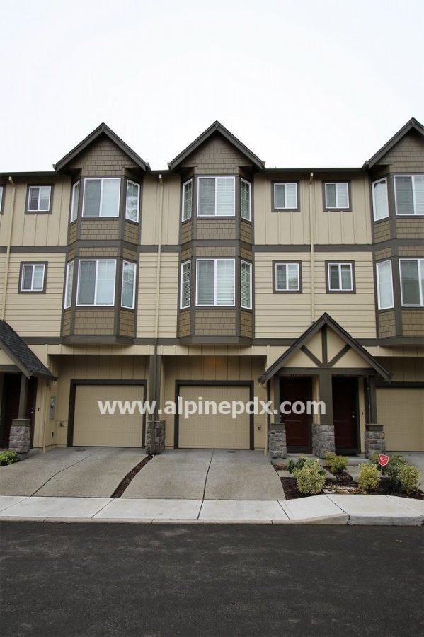 property_image - Townhouse for rent in Beaverton, OR